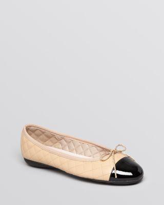 Women'S Best Brighton Quilted Cap-Toe Ballet Flats in Black/Beige