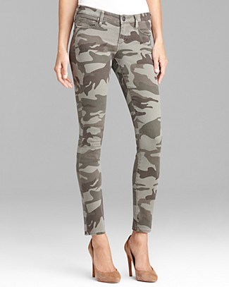 TRUE RELIGION Casey Stretch Camo Low-Rise Super Skinny Pants in Olive
