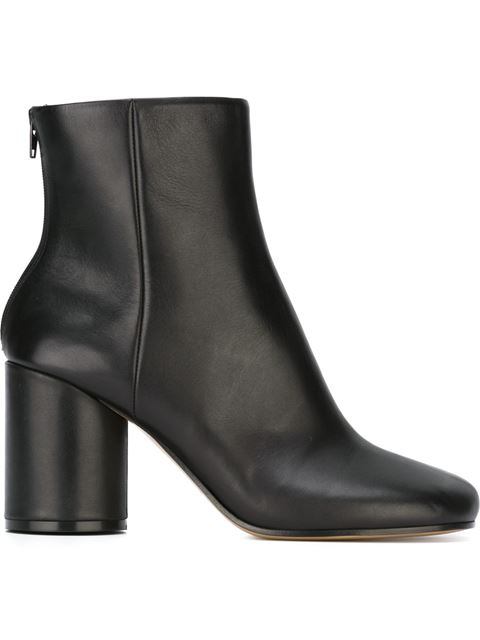Tabi Split-Toe Leather Ankle Boots in Black