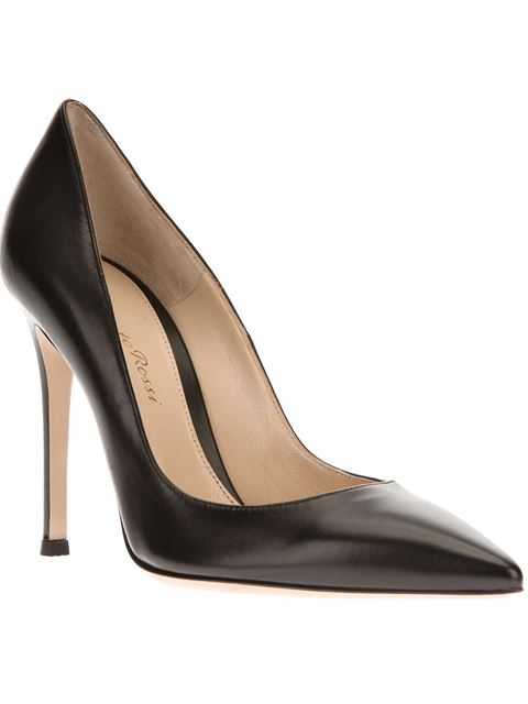 105 Leather Pumps in Black