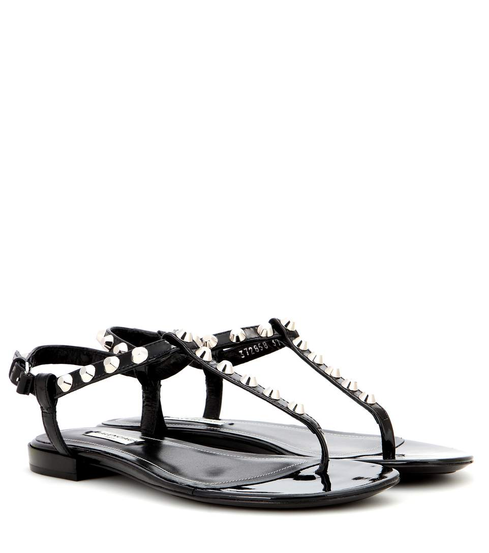 Giant Stud Patent Leather Sandals in Gris Fossile