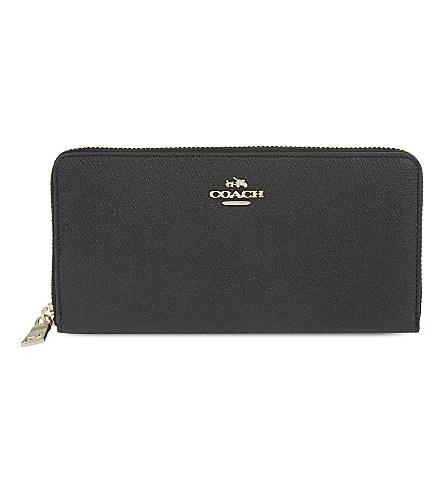 Accordion Zip Wallet In Embossed Textured Leather in Black