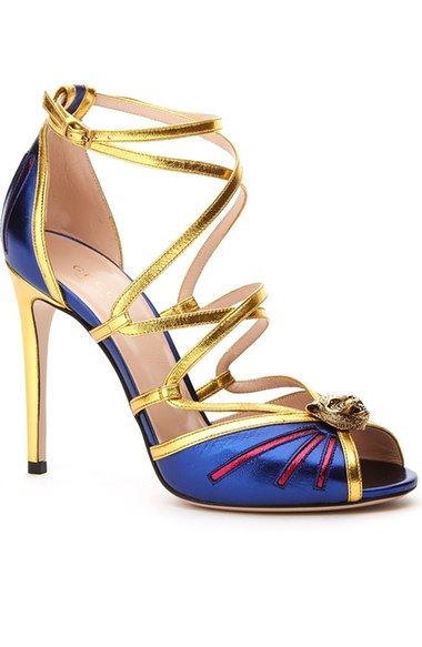 GUCCI Bette Tiger Metallic Leather Sandals, Oro/Oceano