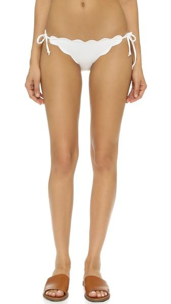 Antibes Scallop-Edged Bikini Briefs in Off White