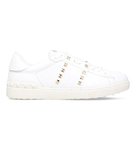 VALENTINO Rockstud Untitled #11 Low-Top Leather Trainers, White/Comb