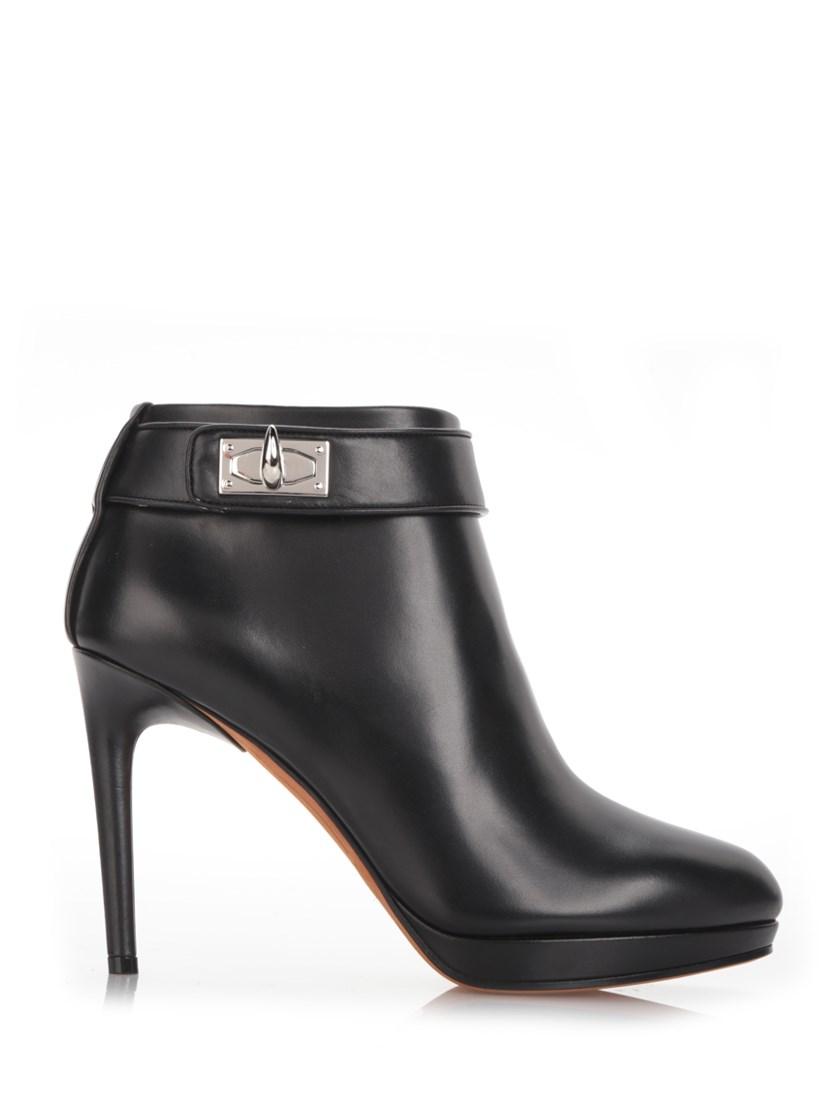 Black Shark-Lock Ankle Boot