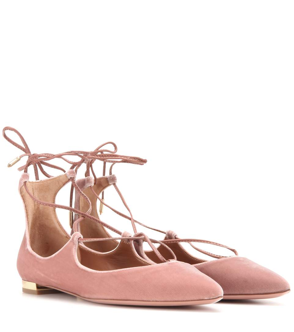10Mm Christy Lace-Up Suede Flats in Cipria