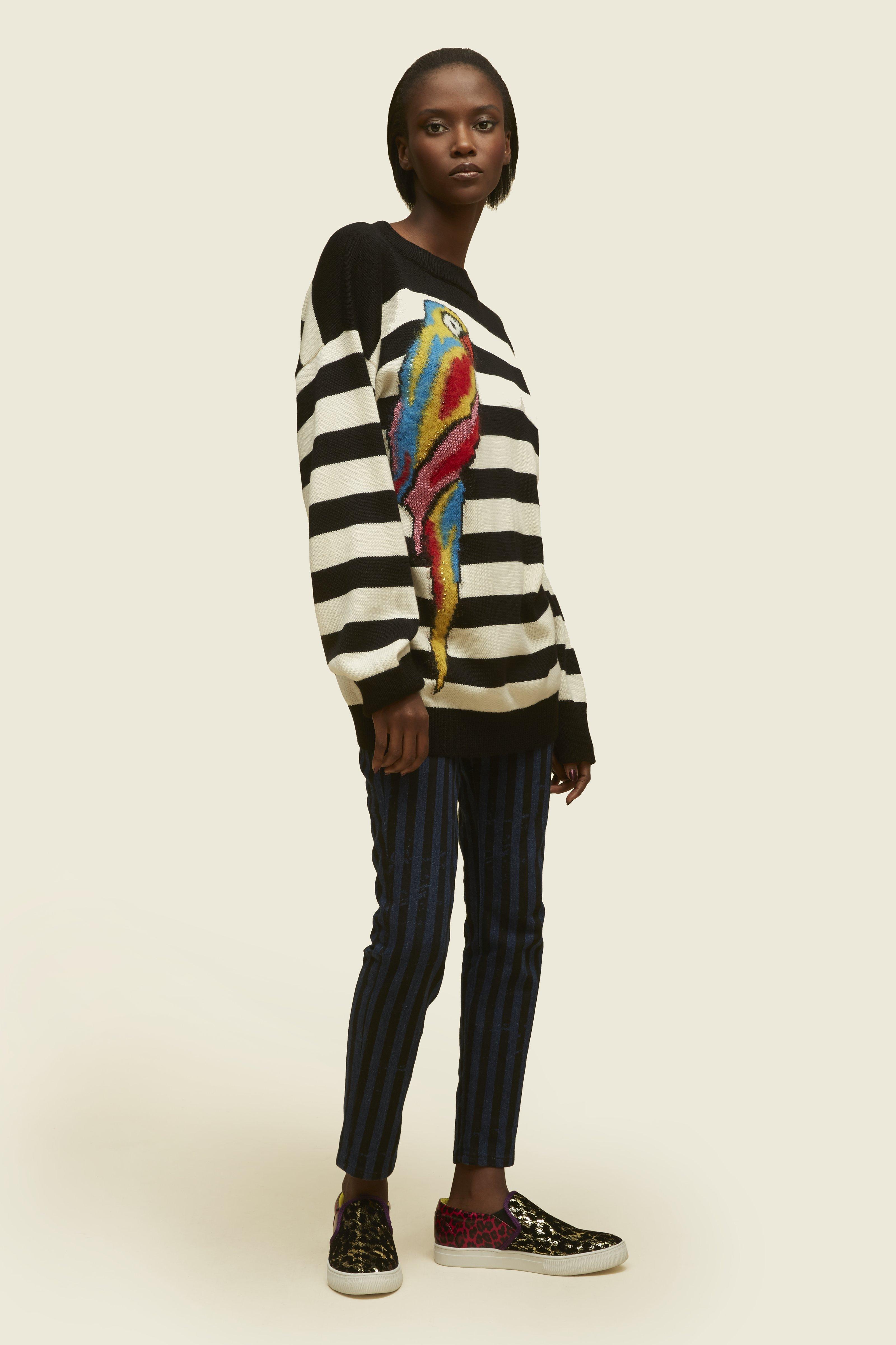 Women'S Striped Parrot Intarsia Knit Sweater In Black And White, Black Multi
