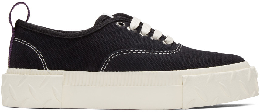 Viper Low-Top Canvas Trainers in Black