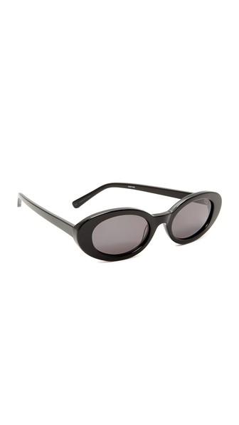 Mckinley Sunglasses, Black/Smoke Mono