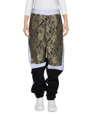 ASTRID ANDERSEN Casual Pants in Black