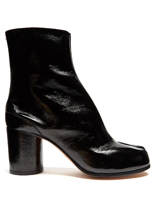 MAISON MARTIN MARGIELA Maison Margiela Women'S Tabi Patent Leather Ankle Boots in Black
