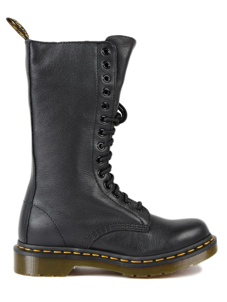 Model 1B99 Virginia Black Leather Boots With 20 Fori Eyelets.