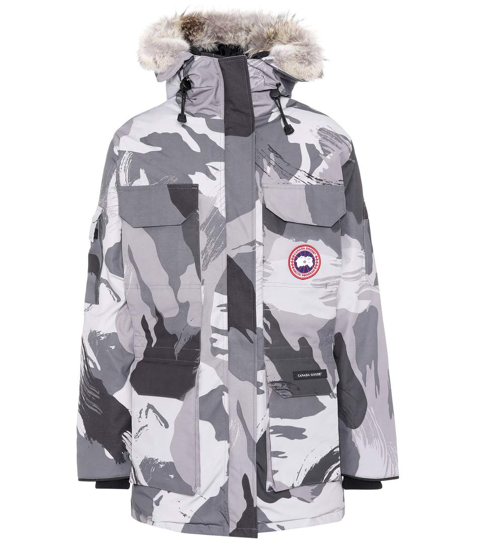 CANADA GOOSE Expedition Camouflage Down Parka in Grey