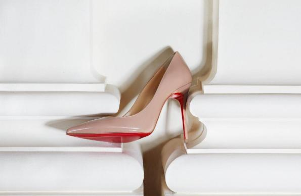 CHRISTIAN LOUBOUTIN Pigalle Follies Degrade Patent Red Sole Pump, Black